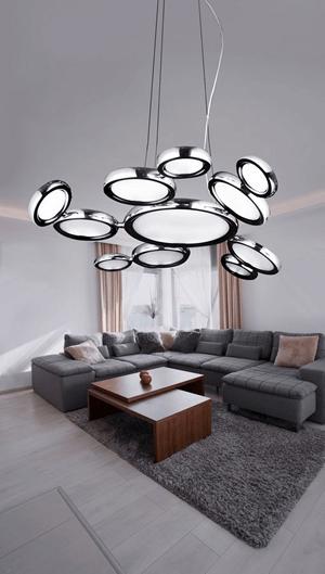 jak oświetlenie salonu może dekorować i tworzyć aranżacje