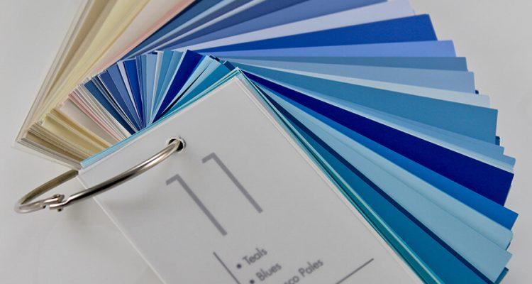 Classic Blue Pantone - jak wykorzystać kolor w stylowych wnętrzach
