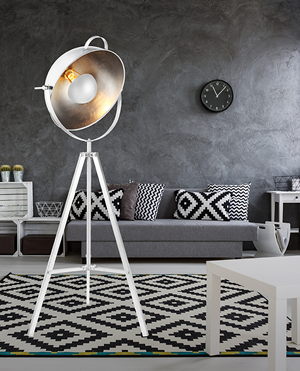 Lampy stojące industrialne do salonu